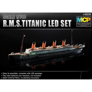 RMS Titanic with LED Lighting Set