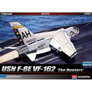 Vought F-8E Crusader VF-162 The Hunters